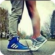 从脚姿看爱情开放度